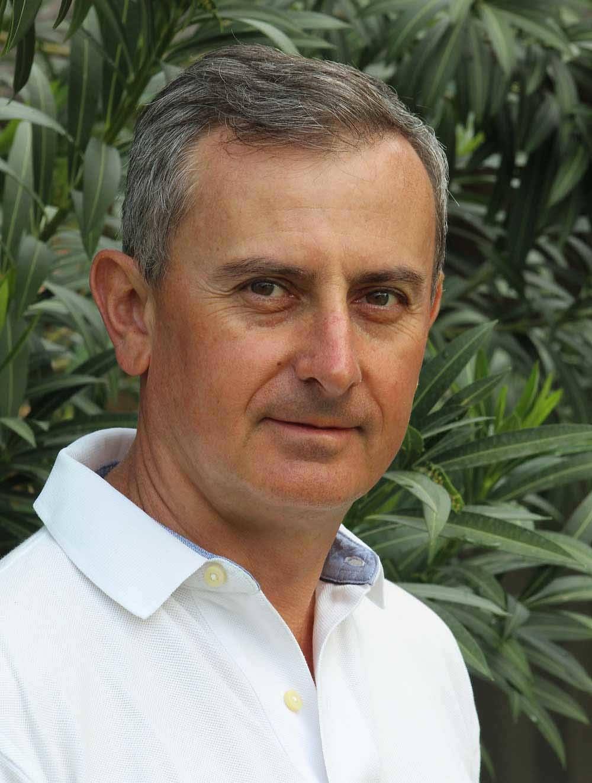 Serge Romy - thérapeute énergéticien. Pratiques: Kinésiologie, massages Shiatsu, Luxopuncture, Réflexologie.